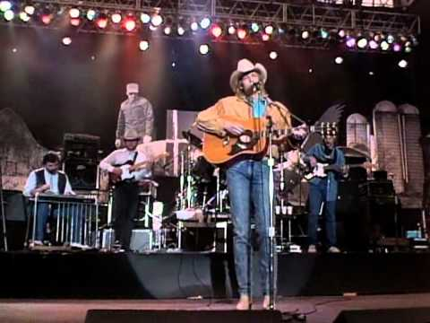 Alan Jackson at Rocket Mortgage FieldHouse